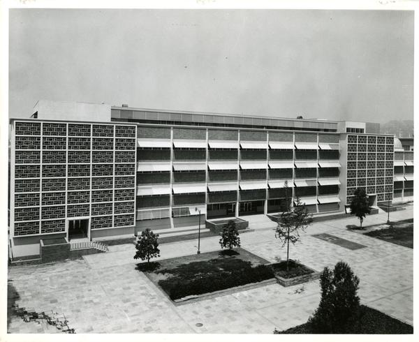 Boelter Hall exterior from courtyard, June 1959