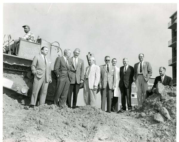 Brain Research Institute members and architects at groundbreaking