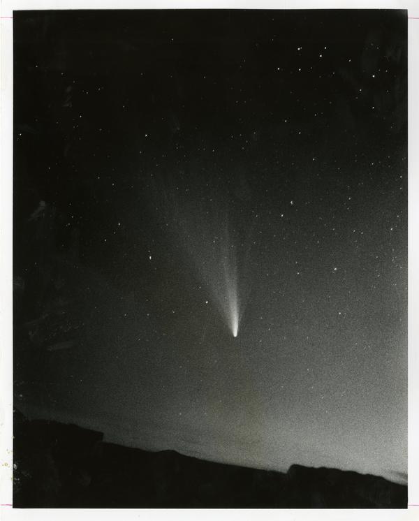 Comet West in the sky, March 6, 1976