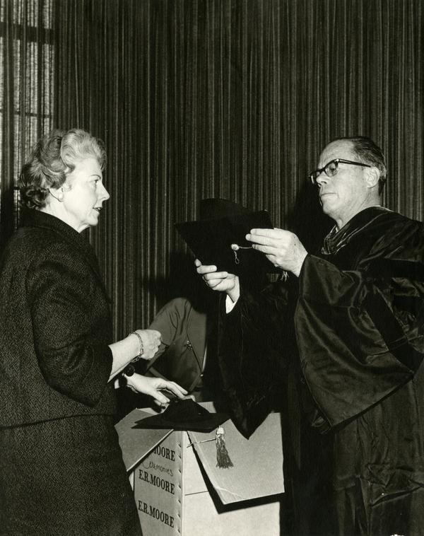 Senator Thomas Kuchel and Virginia Carew of the Committee on Public Ceremonies at Mid-Year Commencement, 1963