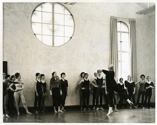 Jose Limon practicing with a class of UCLA dancers, March 1970