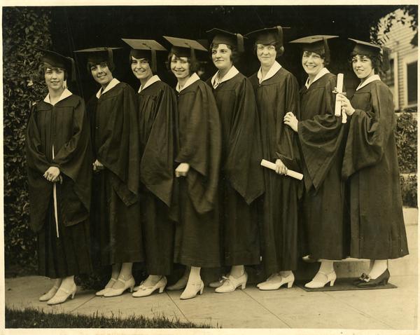 Group of graduating Delta Gamma Sorority members including Ann Sumner at far right, 1926