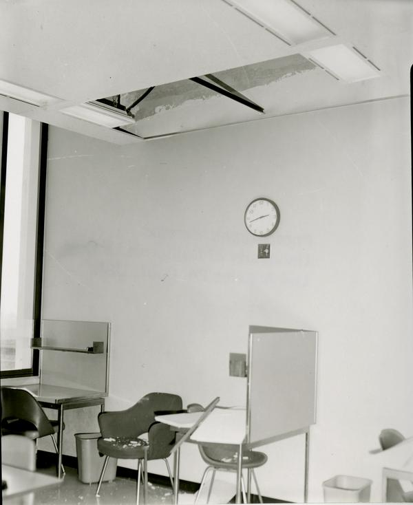 Damage from the earthquake, 1971