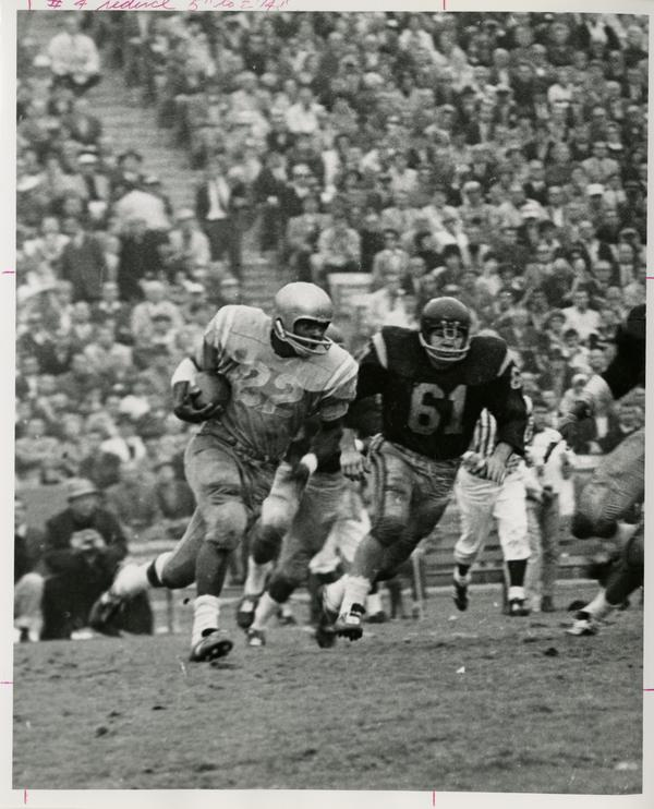 UCLA left halfback Mel Farr during a game, 1965