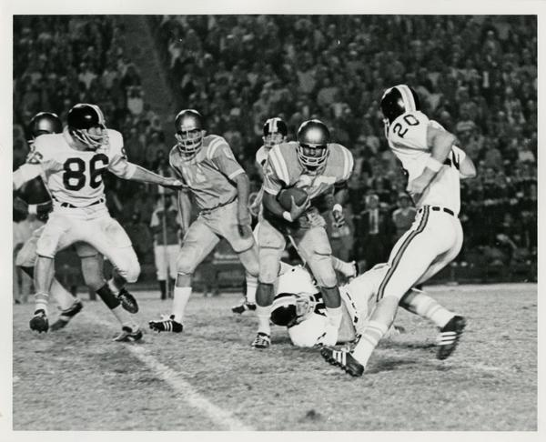 UCLA left halfback Kermit Johnson in the game against Oregon State University, October 2, 1971