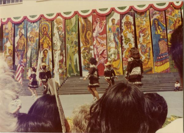 Folklorico performance