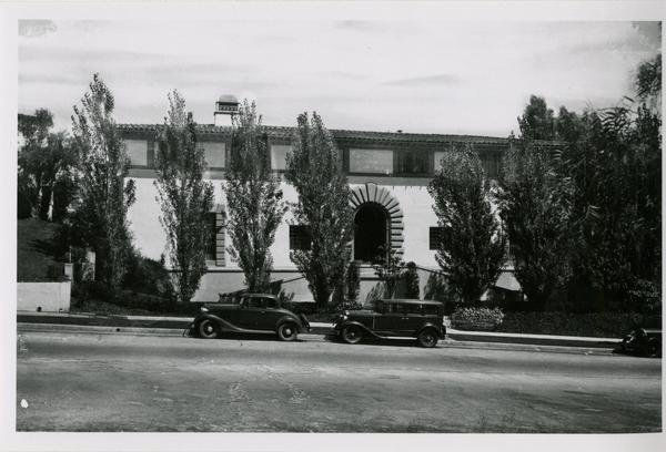 View of Kappa Alpha Theta house