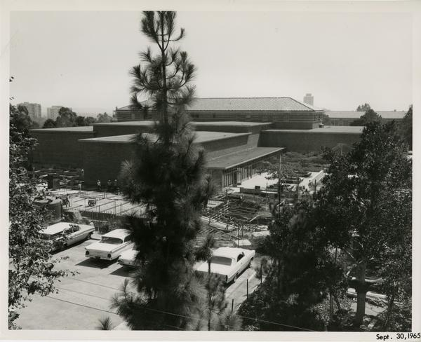 Law School building during construction, September 30, 1965