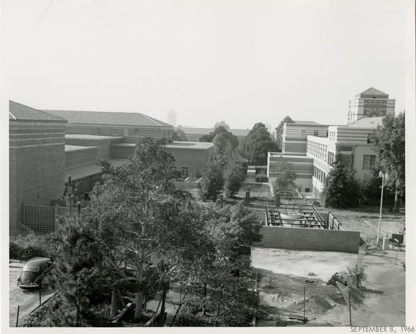 Law School building during construction, September 8, 1966