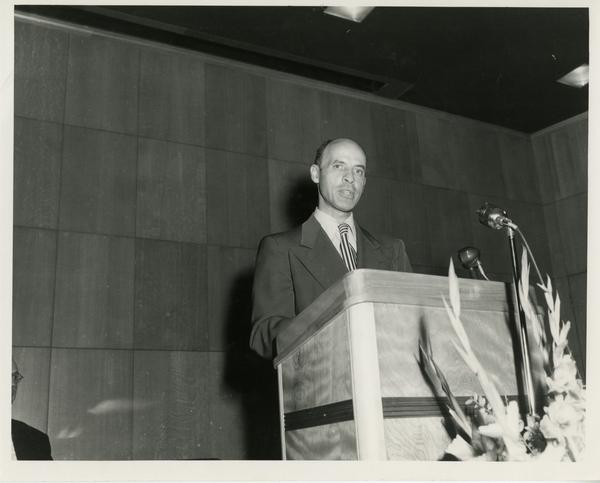 John Caughey speaking at Library Special Collections dedication, July 28, 1950