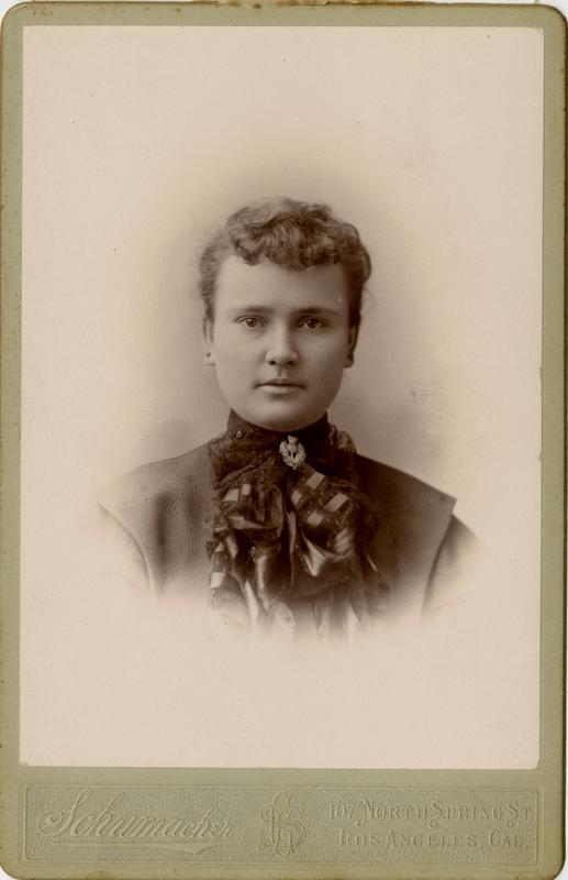 Portrait of Maude McDowell
