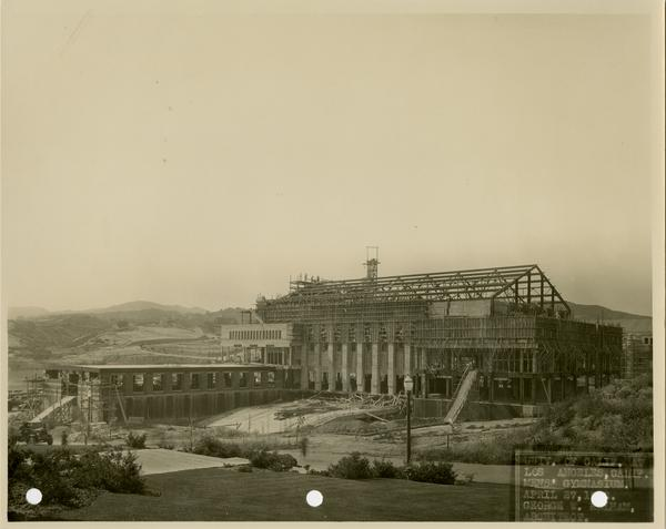 Men's gymnasium under construction, April 27, 1932