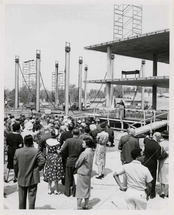 Crowd gathering for Nuclear medicine and radiation biology laboratory cornerstone ceremony, May 21, 1960