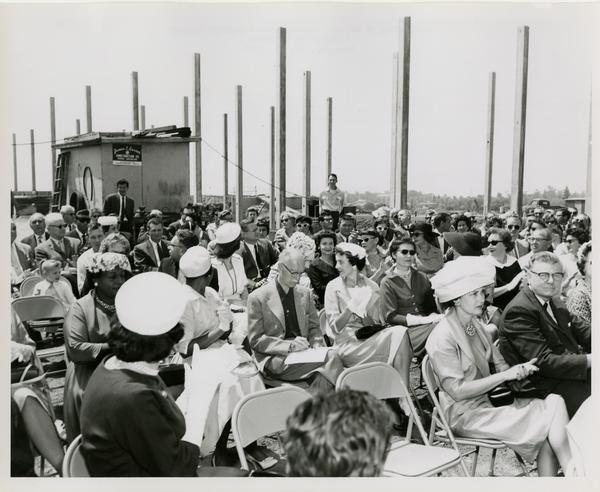 Crowd at Nuclear medicine and radiation biology laboratory cornerstone ceremony, May 21, 1960