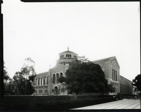 Exterior of Powell Library during renovations