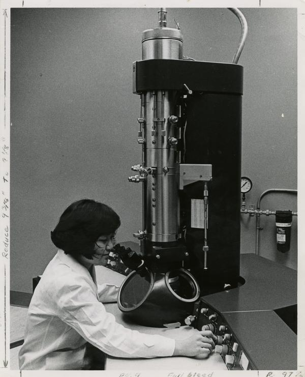 Electron microscope used for viral and parasitological research in the School of Public Health laboratory