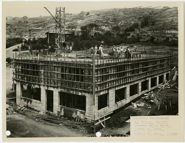 Ritter Hall building of Scripps Research Institute during construction, April 9, 1931