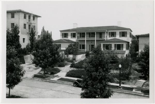 UCLA Sigma Pi Fraternity House