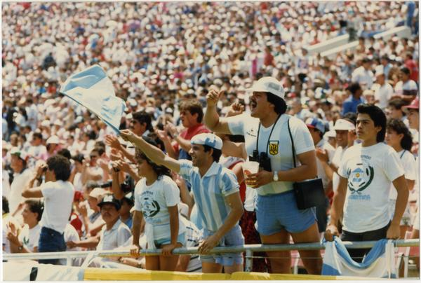 Photo of crowd at 1986 FIFA World Cup All-Star Game , July 1986