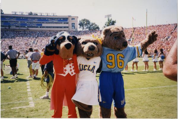 Joe and Josie Bruin posing with University of Tennessee hound mascot