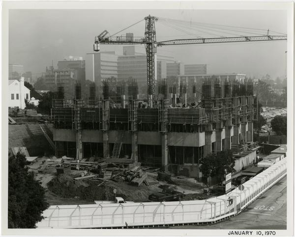 University Extension building during construction, January 10, 1970