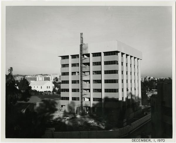 University Extension building during construction, December 1, 1970