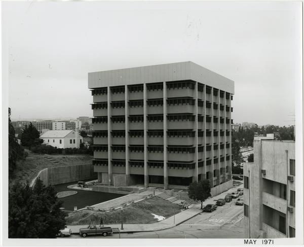 University Extension building during construction, ca. May 1971