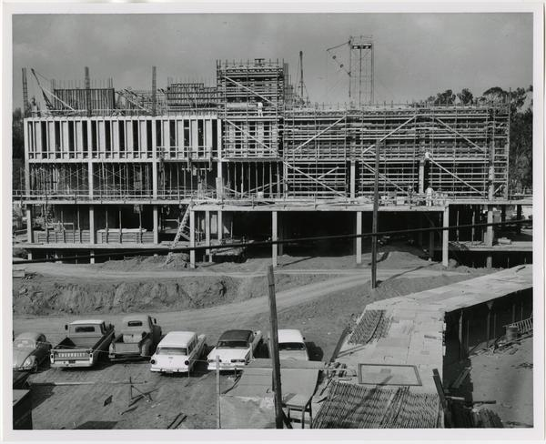 Frontal view of the construction of the University Research Library