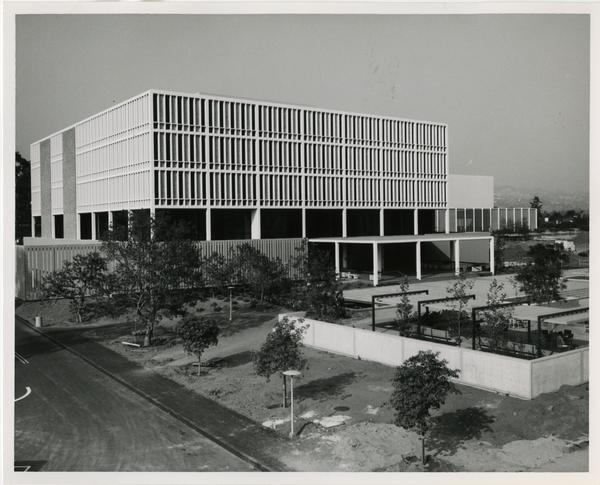 Exterior view of the University Research Library and the preceding courtyard