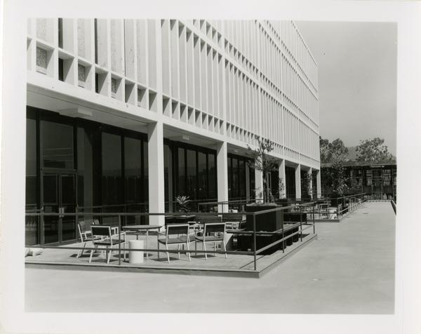 Patio furniture outside the University Research Library