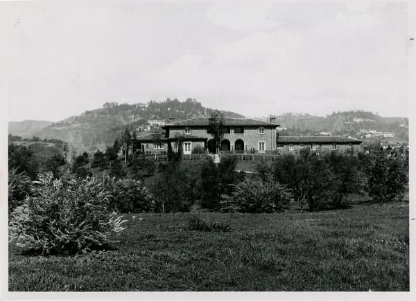Exterior view of UCLA Provost's Residence, ca. 1930s