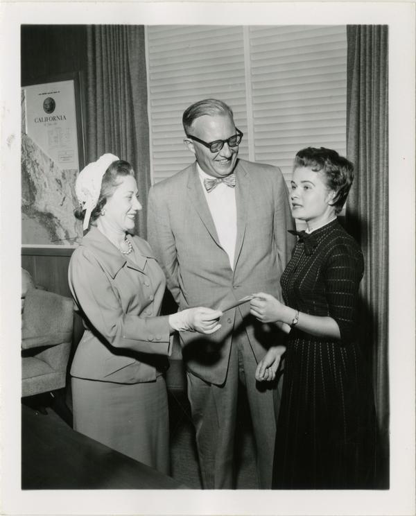 Women for America Essay contest, ca. 1958