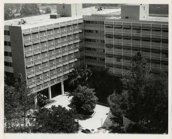 Exterior view of UCLA Medical Center, ca. 1980