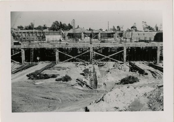 Looking east at UCLA Medical Center during construction, ca. March 1952