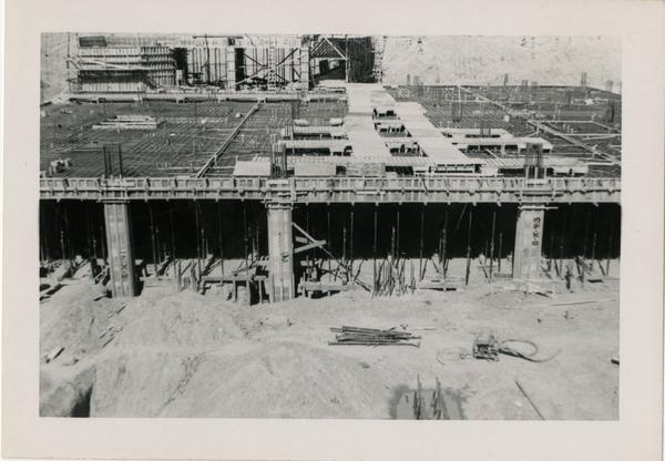 Looking north at UCLA Medical Center during construction, February 24, 1952