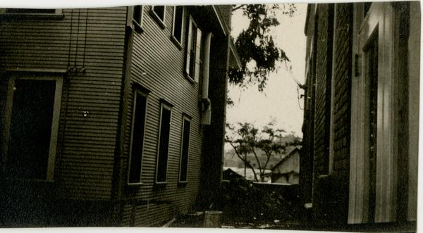 Alley behind the College of Medicine, downtown Los Angeles, c. 1910