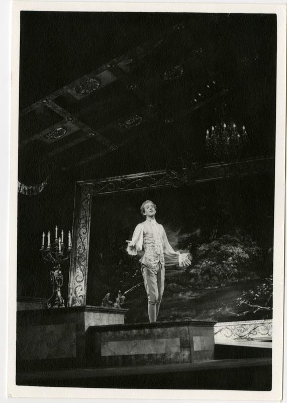 Opera singer during the Scarlatti Opera