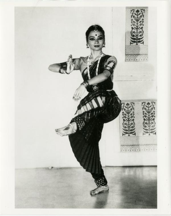 Malavika Sarukkai holding a dance position