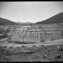 Bouquet Canyon earth-fill dam under construction, 1933