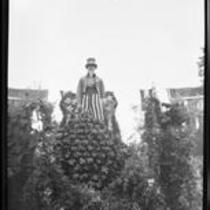 """""""Uncle Sam Helping the Raisin Growers"""" float in the Tournament of Roses Parade, Pasadena, 1931"""