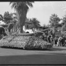 """""""Fairy Barge"""" float in the Tournament of Roses Parade, Pasadena, 1933"""
